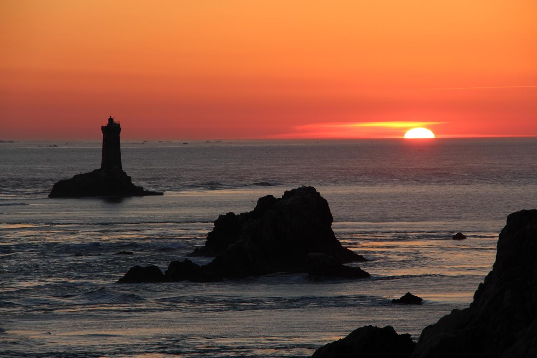 Pointe-du-Raz-coucher-de-soleil